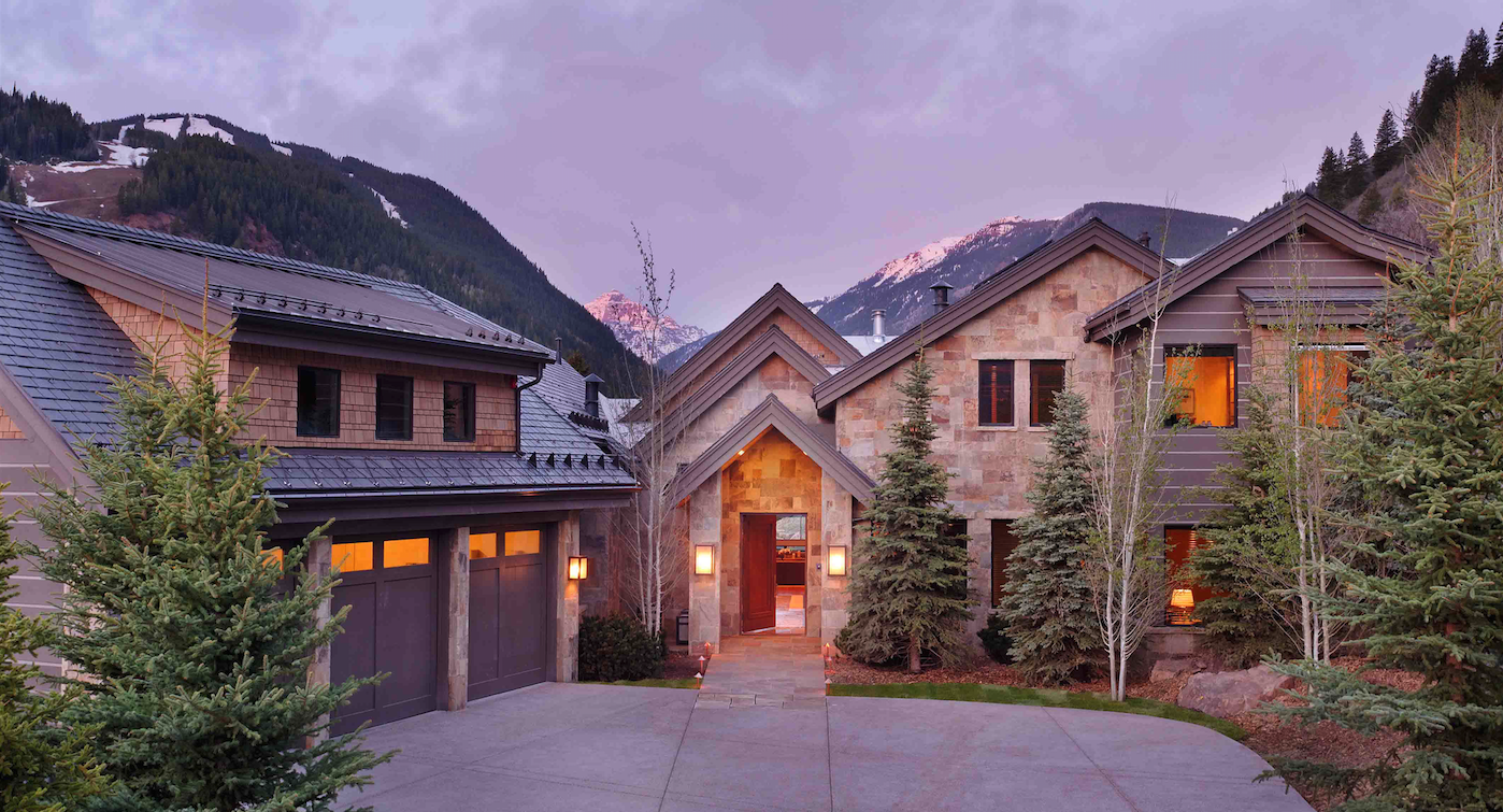 This classic, rustic home is located on Highlands Mountain in Aspen, Colo. Jamie McLeod used repeated angular shapes and warm-toned stone to accentuate the dramatic mountain setting. Photo: courtesy Brewster McLeod Architects