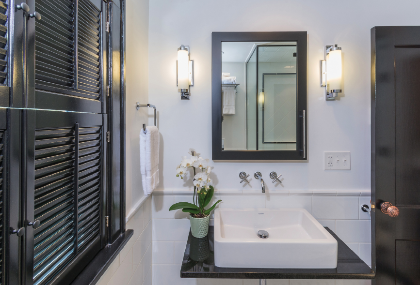 The bathroom in this Prairie-style house was designed to reflect its traditional roots while providing comfort and functionality for the clients. Photo: courtesy J.S. Brown & Co.