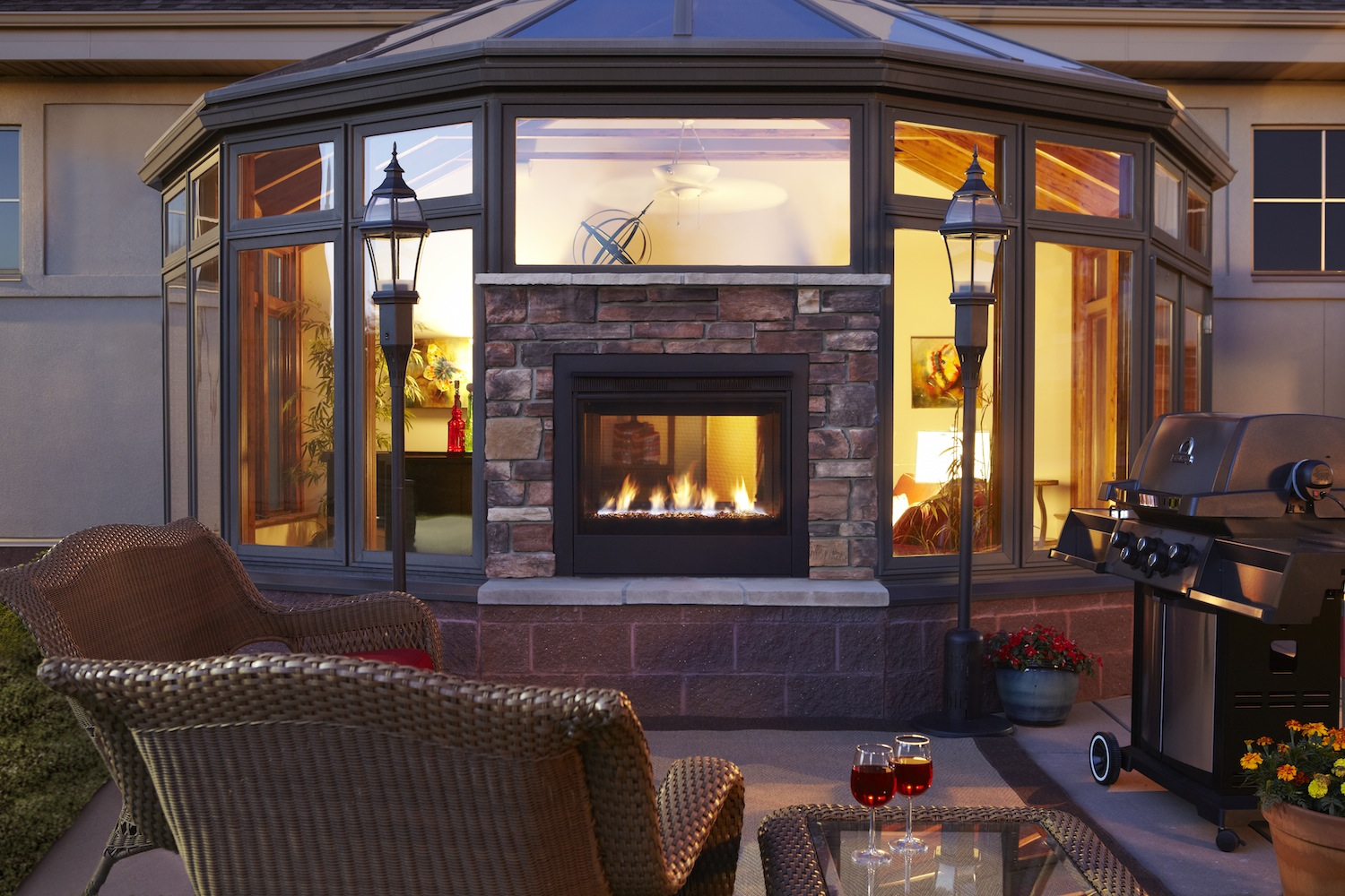 Hearth Home Technologies Twilight Modern Indoor Outdoor Fireplace Pro Remodeler