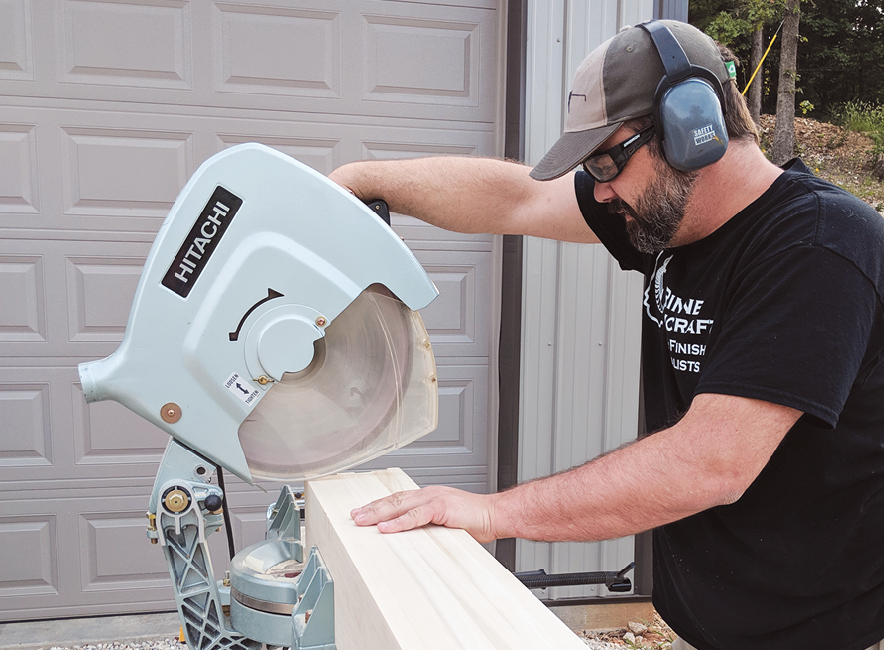 "Pro's Picks: Hitachi (Now Metabo HPT) 15"" Miter Saw"