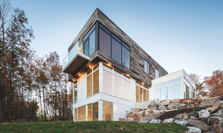 A house that uses Marvin Windows' Contemporary Awning windows, from the Contemporary Studio collection.