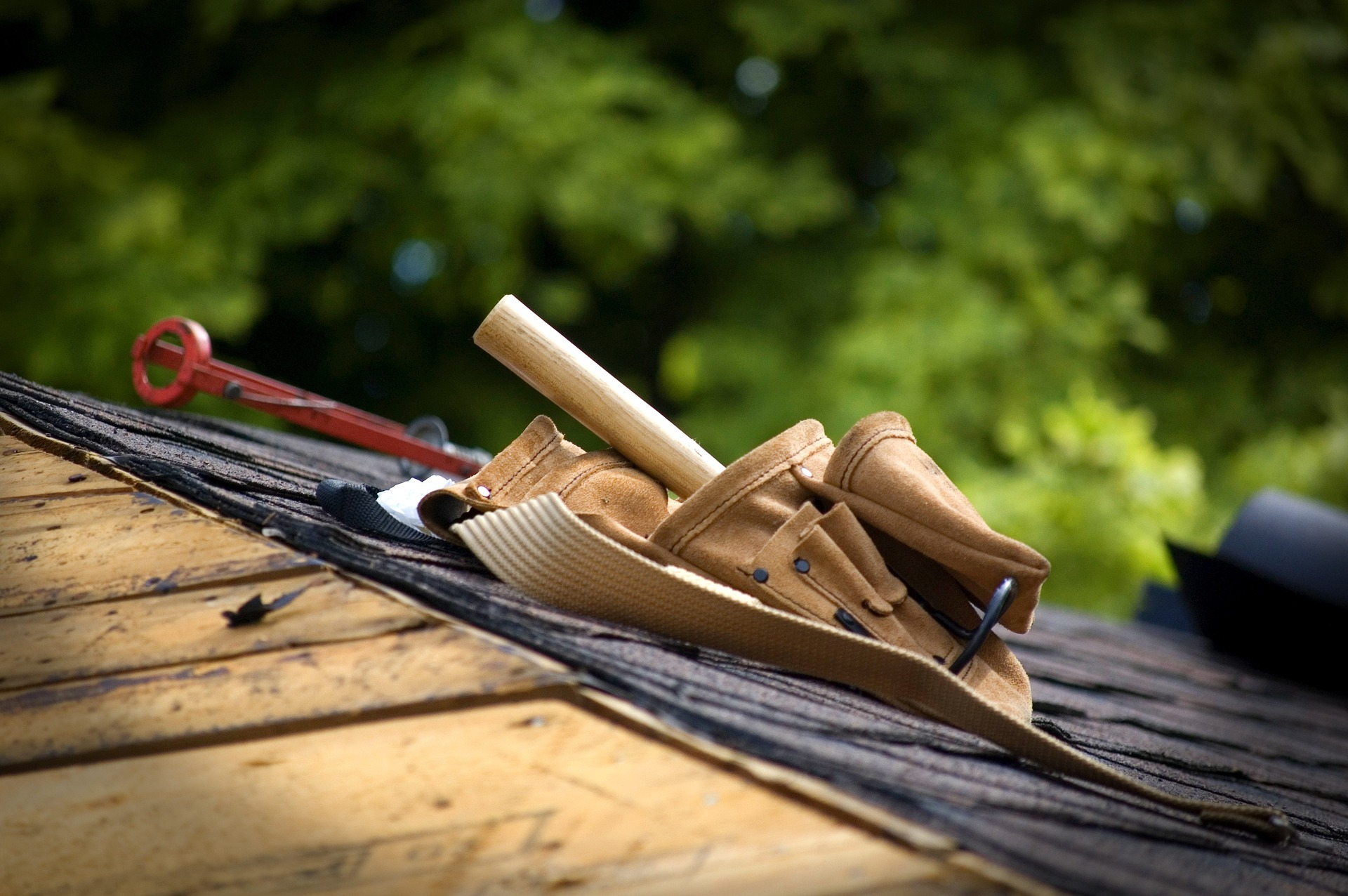 4 Considerations For Saving Time And Costs When Remodeling Roofs